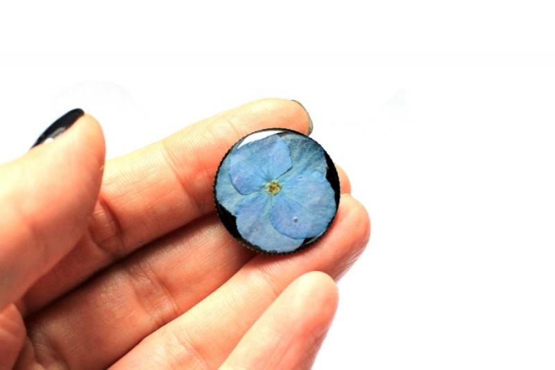 Брошь с гортензией в ювелирной смоле Голубой Настоящие цветы, ювелирна Новицкая Ольга - фото 2