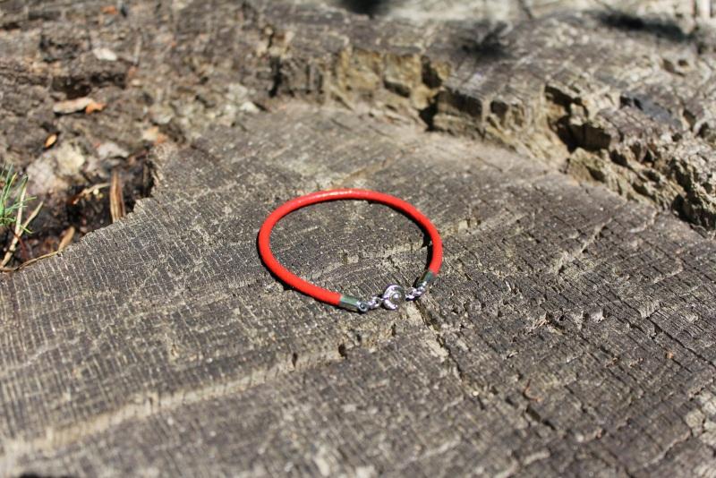 Червоний Червоний Шкіряний шнур, металева ф Новікова Катерина - фото 1