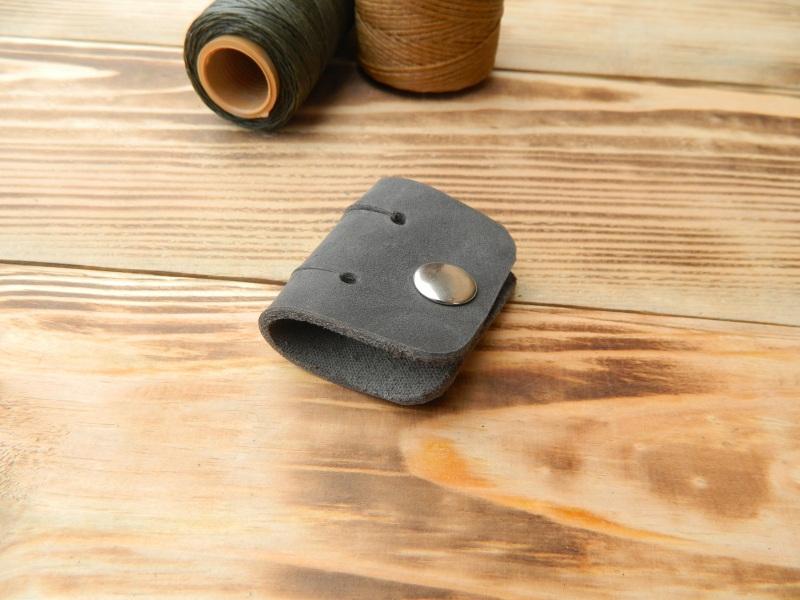 Кожаный держатель для наушников, проводов  кожа, натуральная кожа, и Онищенко Виталина - фото 3