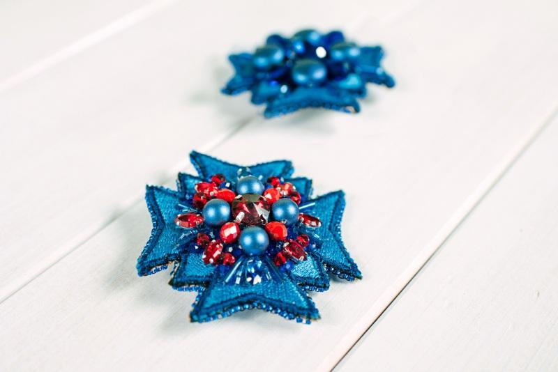 Синяя брошь-орден Синий Бусины Swarovski, стразы, Панчук Ирина - фото 3