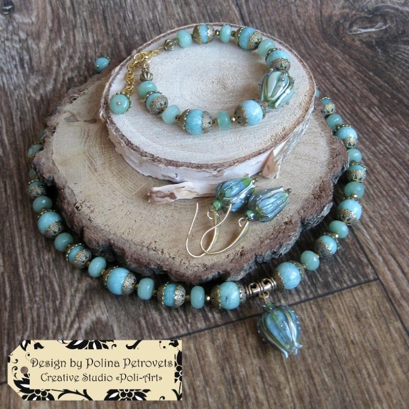"""Колье с браслетом и серьгами из натурального камня и лэмпворк """"В свежести Весны"""" Голубой Натуральный камень: амазо Poli-Art - фото 1"""