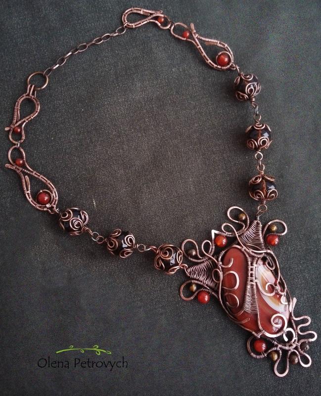 В вишневом саду Красный медь, агат, сердолик, тиг Петрович Елена - фото 1