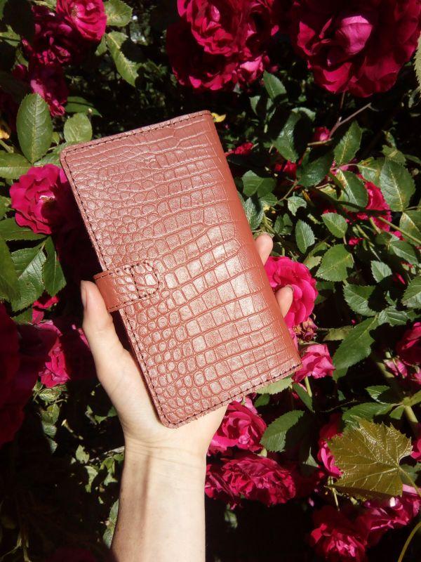 Женский кожаный кошелек под крокодила (коричневый) Коричневый Натуральная кожа Процюк Виктория - фото 2