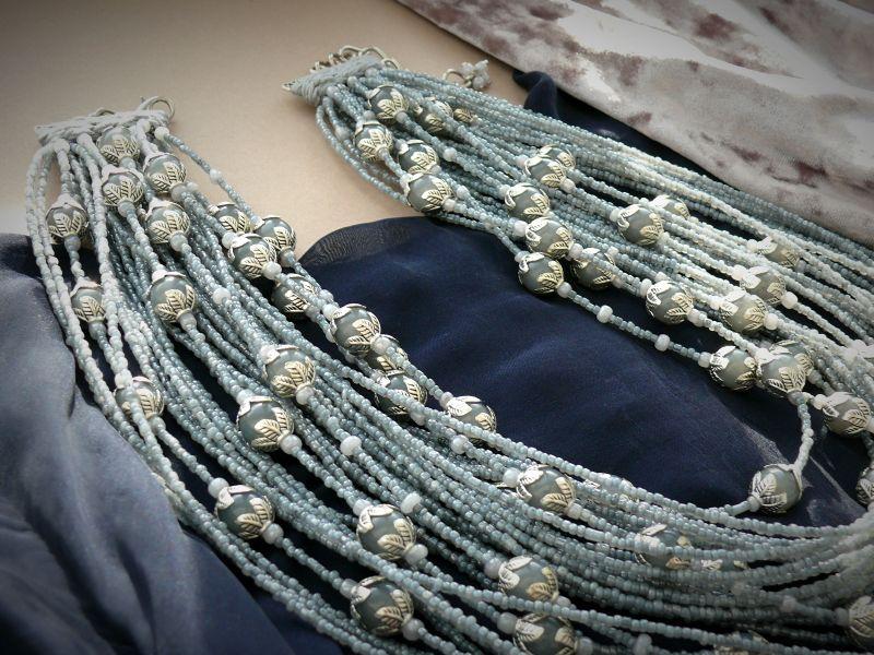 Серая птица Серый бисер, стеклянные бусины, Рыбий Христина - фото 3