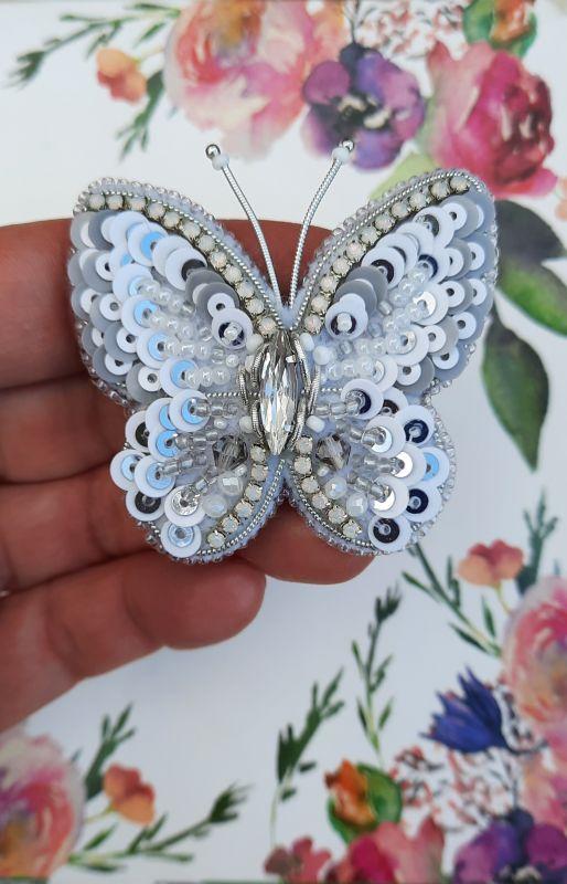 Брошь Хрустальная бабочка Белый Фетр, чешский и японский Рукавицына Наталья - фото 2