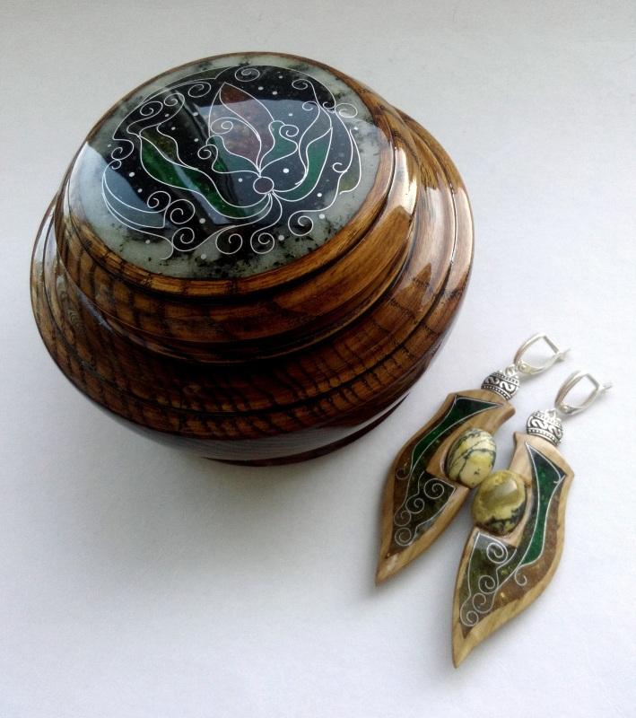 Шкатулка  ясень, мрамор, янтарь, ст Шарапов Александр - фото 1