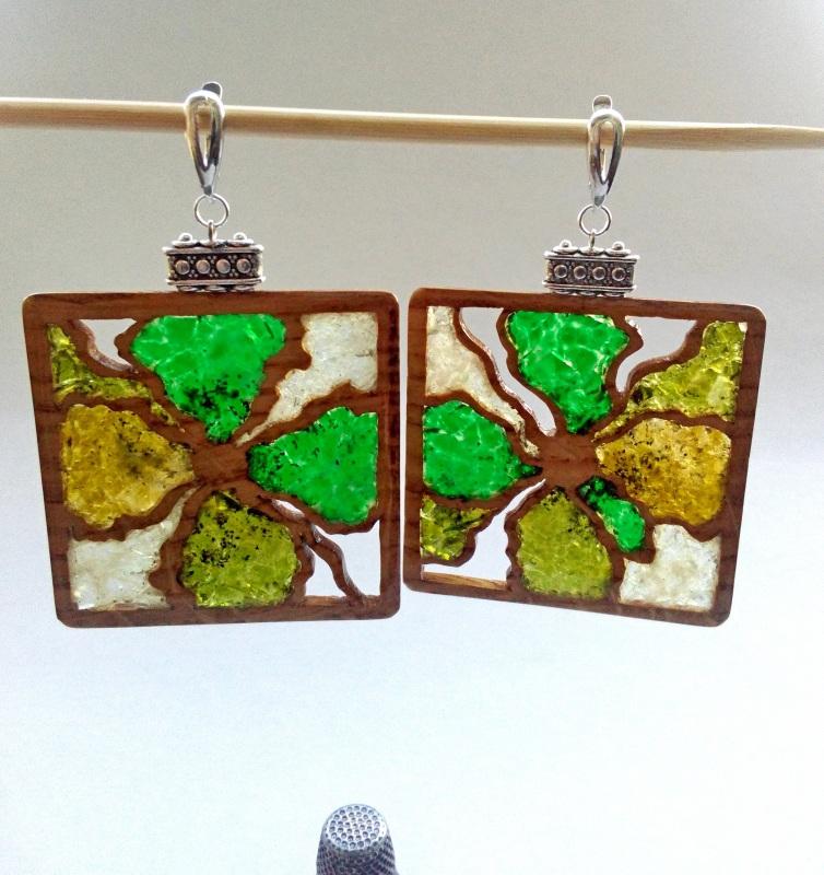 Ефектні дерев'яні сережки Різнобарвний дерево, скло Шарапов Олександр - фото 1
