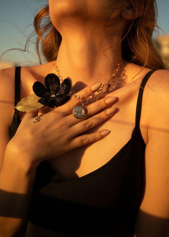 Колье-чокер с цепями, жемчугом и вышивкой Желтый Полозоченная Корейская фу Швайковская Оксана - фото 5