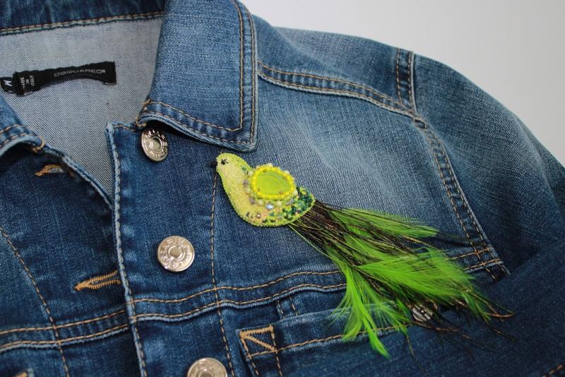 """Брошь """"Птичка лимонка"""" Зеленый мулине DMC, кристаллы и ж Швайковская Оксана - фото 4"""