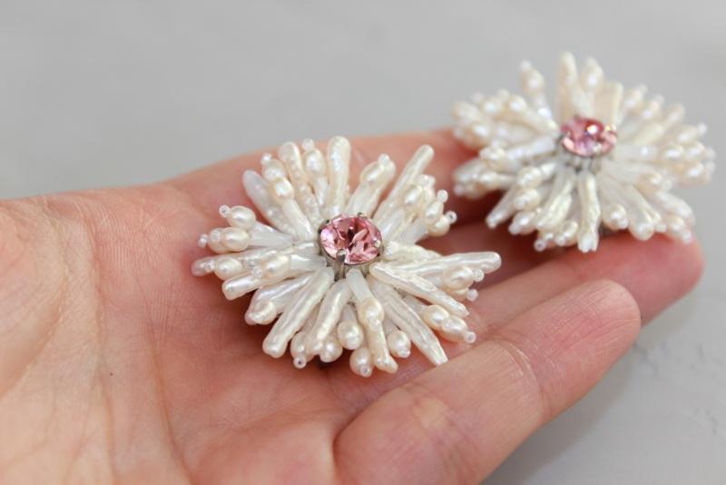 Серьги цветы из жемчуга Белый Натуральный  жемчуг, крис Швайковская Оксана - фото 1