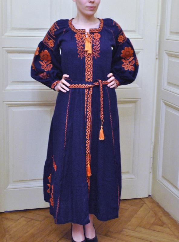 Стильное женское бохо платье на синем льне с оранжевыми цветами Синий натуральный лен Салдан Галина - фото 2