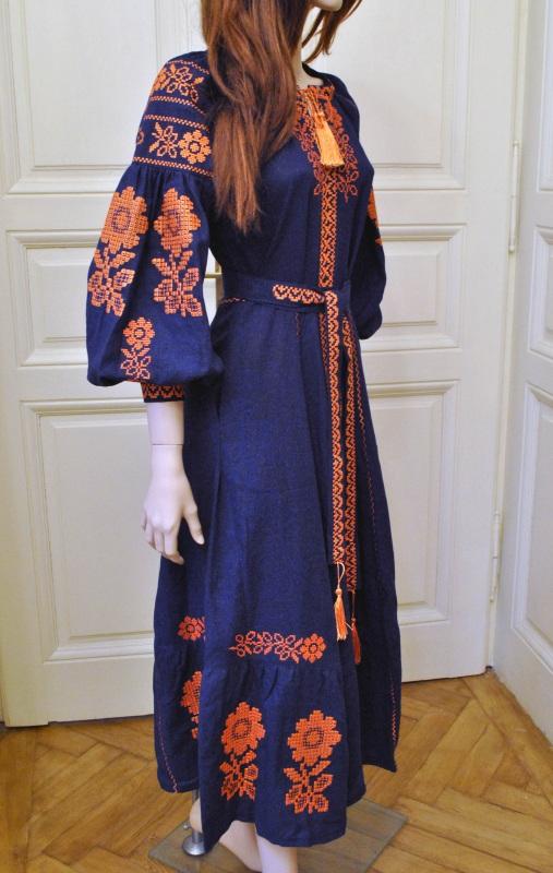 Стильное женское бохо платье на синем льне с оранжевыми цветами Синий натуральный лен Салдан Галина - фото 11
