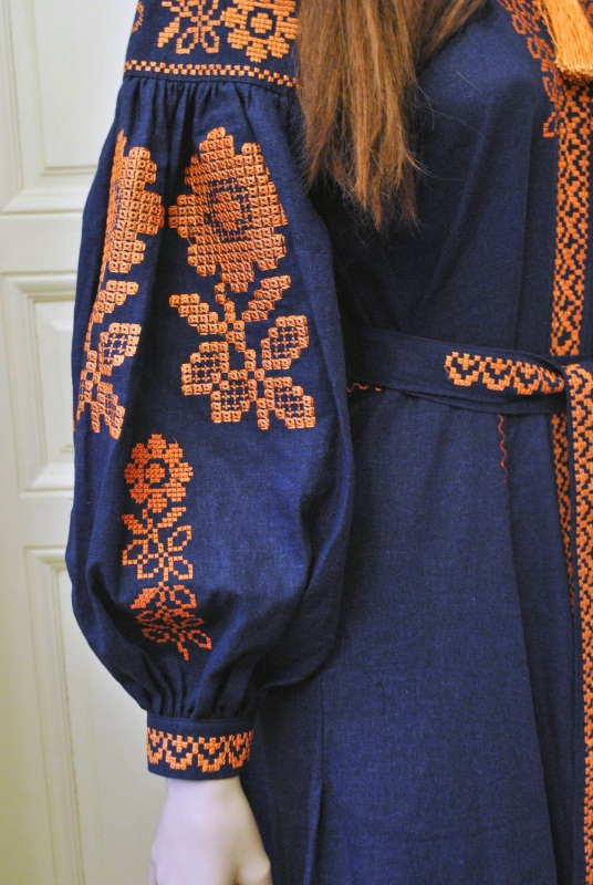 Стильное женское бохо платье на синем льне с оранжевыми цветами Синий натуральный лен Салдан Галина - фото 9