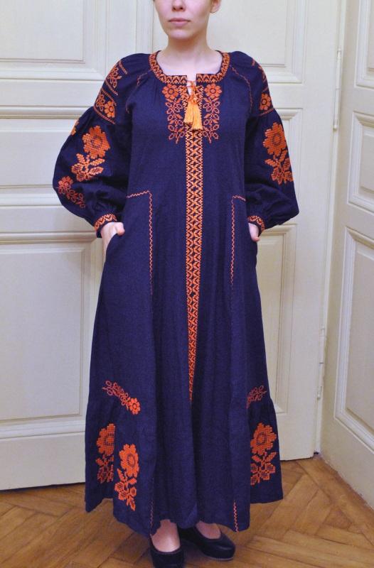 Стильное женское бохо платье на синем льне с оранжевыми цветами Синий натуральный лен Салдан Галина - фото 6