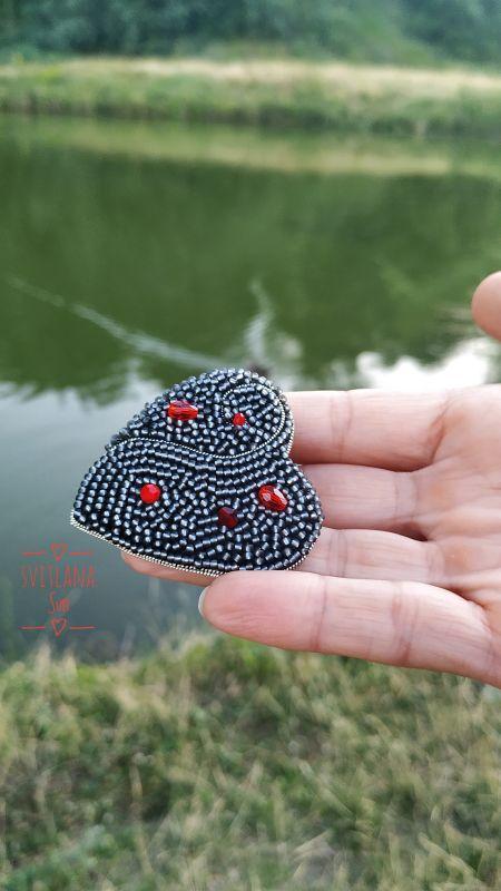 Сердце дракона брошь Черный Бисер, кристал, кожа, фур Сун Светлана - фото 3