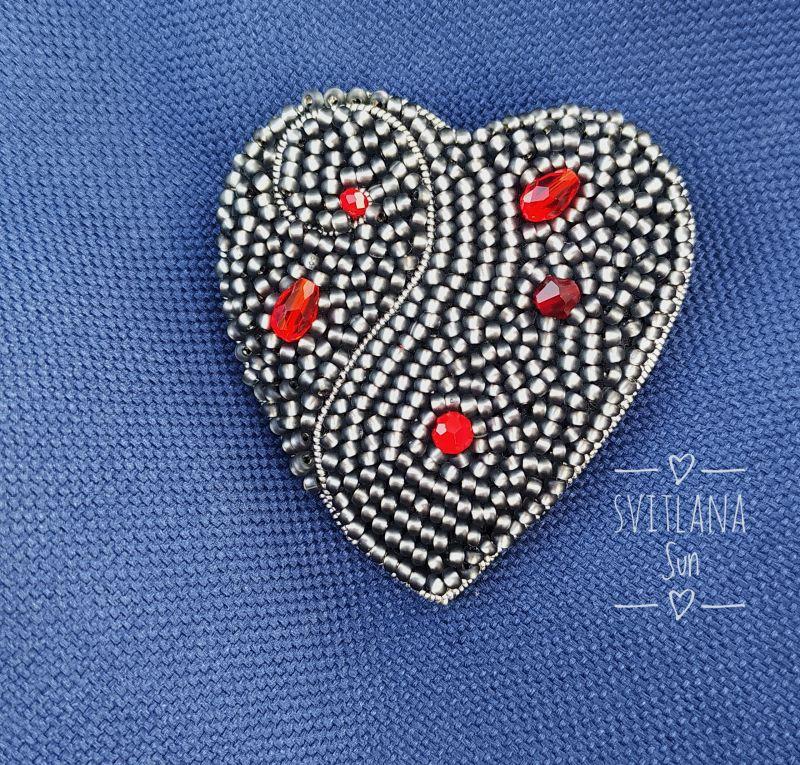 Сердце дракона брошь Черный Бисер, кристал, кожа, фур Сун Светлана - фото 5