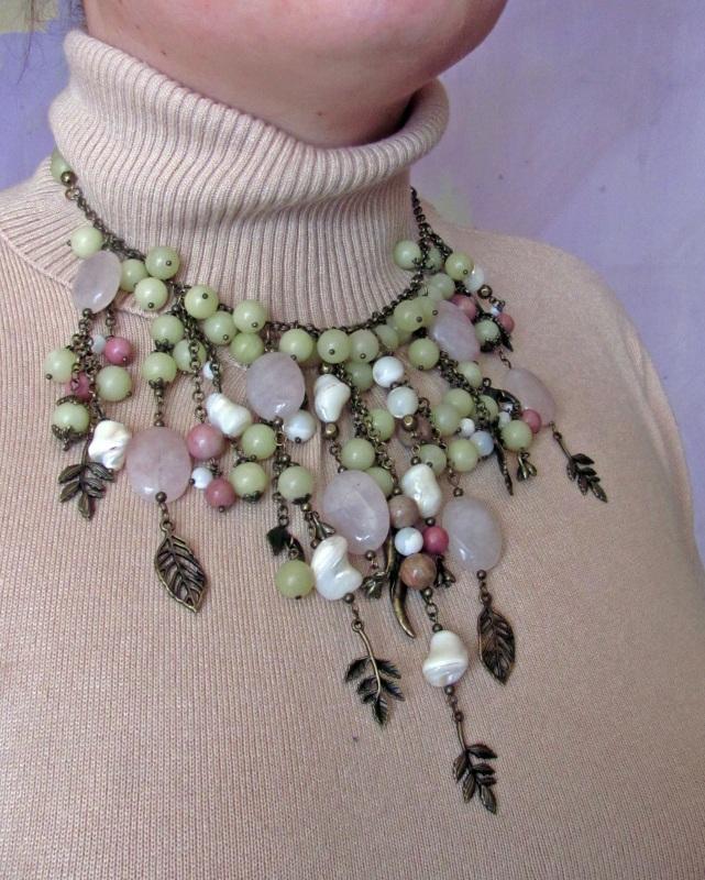 """Ожерелье в стиле бохо """"Яблоневый сад"""" Разноцветный Розовый кварц, оливин, пе Скыба Елена - фото 4"""