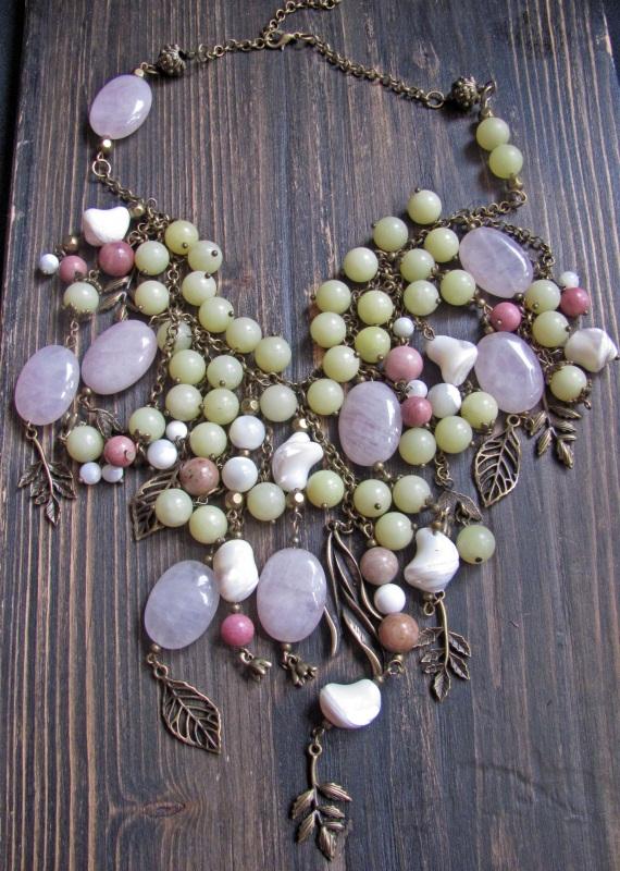 """Ожерелье в стиле бохо """"Яблоневый сад"""" Разноцветный Розовый кварц, оливин, пе Скыба Елена - фото 1"""