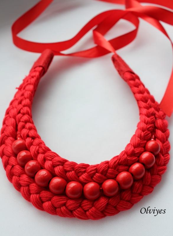 Ожерелье S283 Красный Бусинки деревянные, нитки Снеда Ольга - фото 1