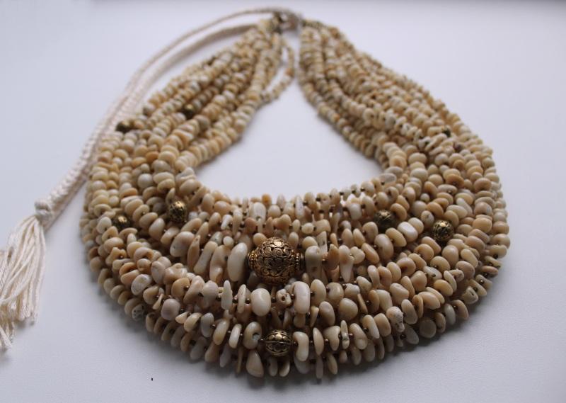 Оплодотворенная нежностью Белый Коралл, винтажная резная Сёма Роксолана - фото 4