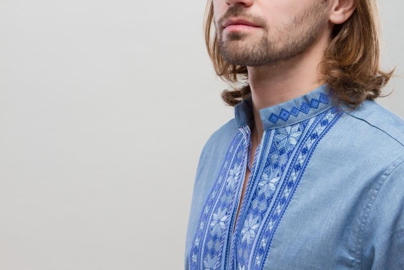 Рубашка Орий на джинсе голубой Голубой коттон, вышивка гладью ТМ Берегиня - фото 1