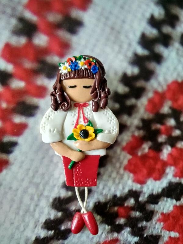 Брошь Украиночка Красный Брошь сделана из запекаем Василенко Елена - фото 1