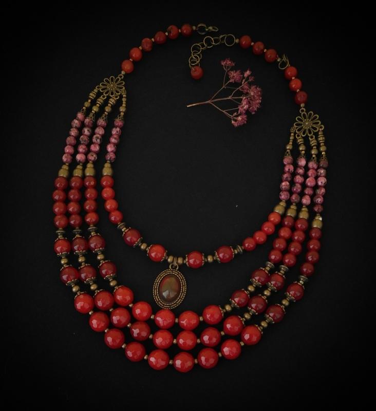 Ожерелье «С кабошоном» Красный сердолик, яшма, латунная Вит Анастасия - фото 1