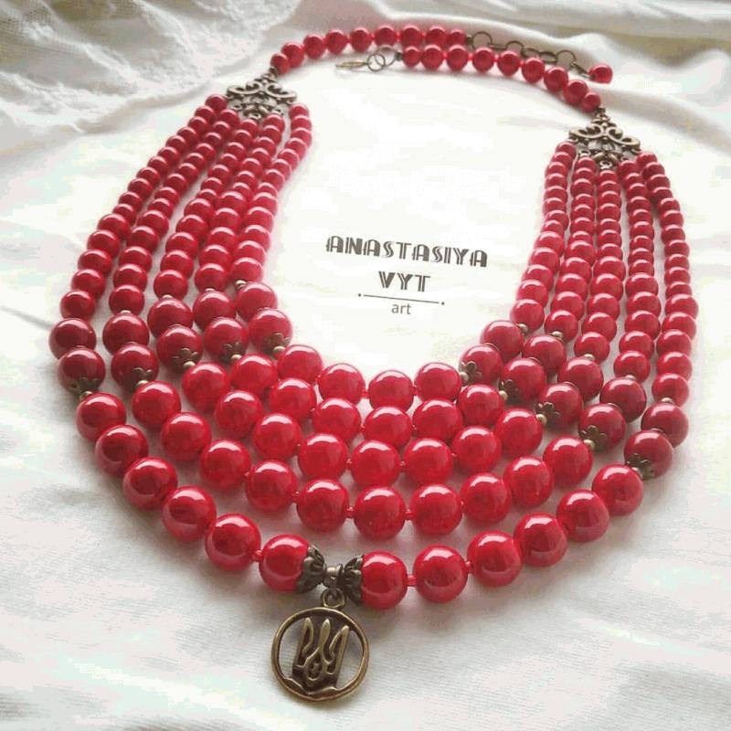 Коралі «З маленьким тризубом» Червоний тонований гауліт, латунь Вит Анастасія - фото 2