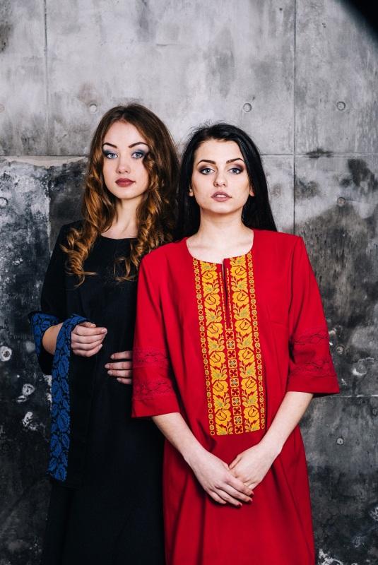 Платье вышитое Красный стрейч Витенько Елена - фото 1