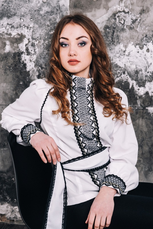 Блузка женская вышитое бисером Белый под заказ Витенько Елена - фото 1
