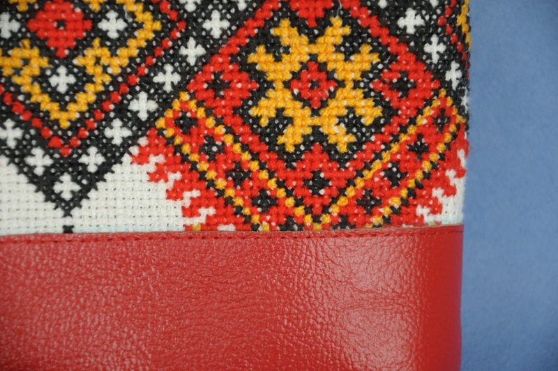 Сумка с аутентичной вышивкой 4 Красный Натуральная кожа, хлопок Ющенко Владимир - фото 2