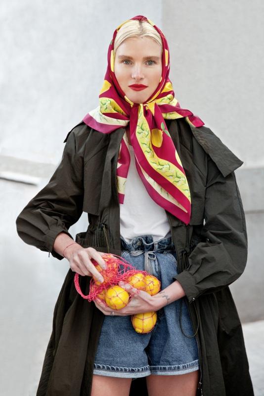 """Платок """"Лимонад в красном"""" 100*100 см Красный Шелк 100% Oliz - фото 1"""