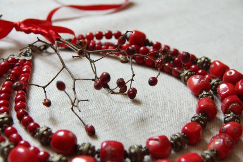Казацкая любовь Красный Коралл, этнические латунн Зелені пацьорки - фото 2