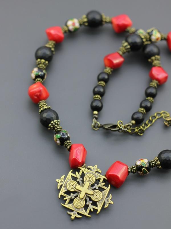 """Ожерелье """"Красное и черное"""" Разноцветный Коралл, шунгит, бусины кл Борийчук Оксана - фото 2"""