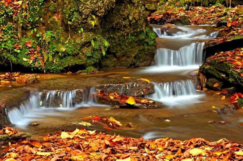 Осенний водопад  печать на холсте, натянут UkrainArt - фото 1