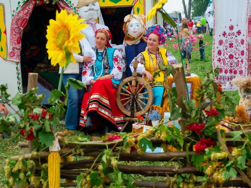 Украинская ярмарка  печать на холсте, натянут UkrainArt - фото 1