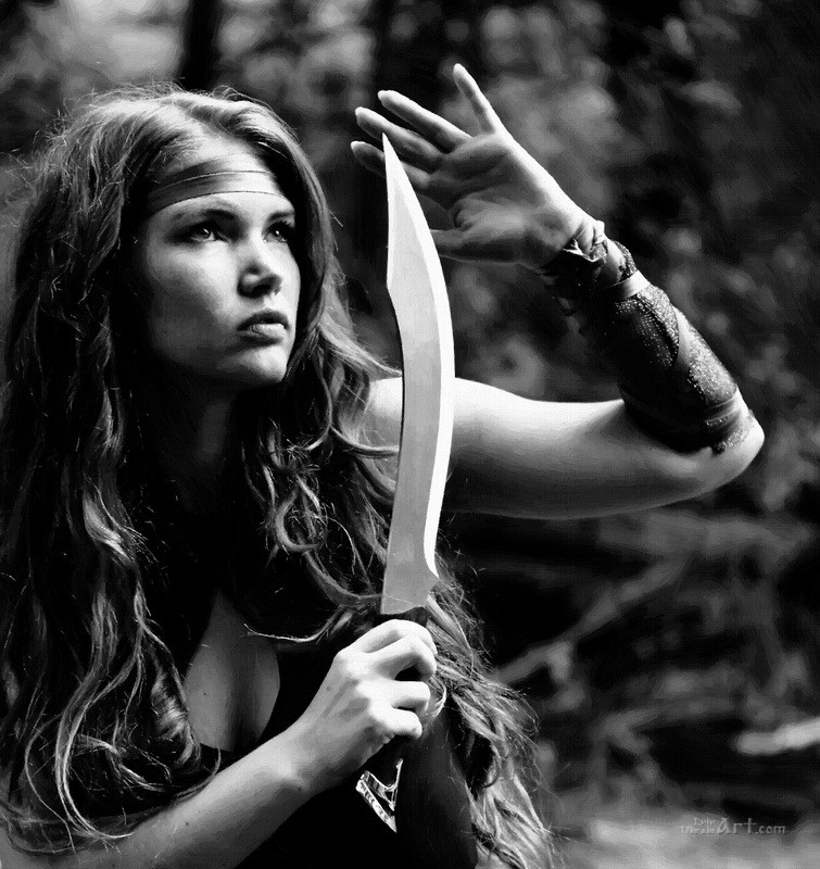 Девушка с кинжалом  печать на холсте, натянут UkrainArt - фото 1