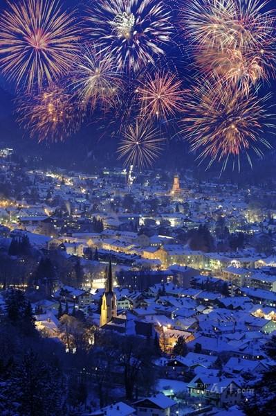 Фейерверки над городом  печать на холсте, натянут UkrainArt - фото 1