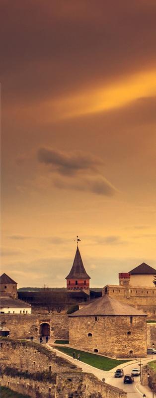 Замок в Каменце-Подольском весной №1  печать на холсте, натянут UkrainArt - фото 3