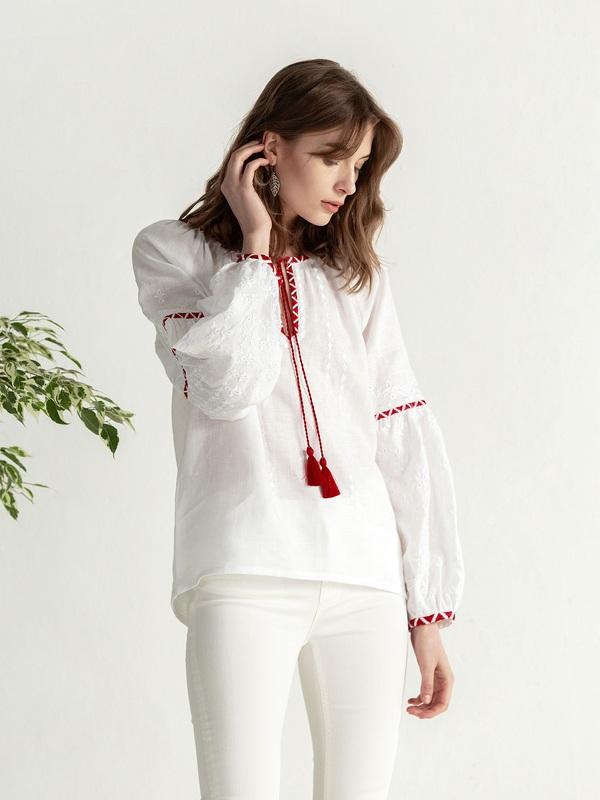 Льняная блузка с красно-белой вышивкой Elin Белый Цвет – белый Ткань – лен ЕтноДім - фото 3