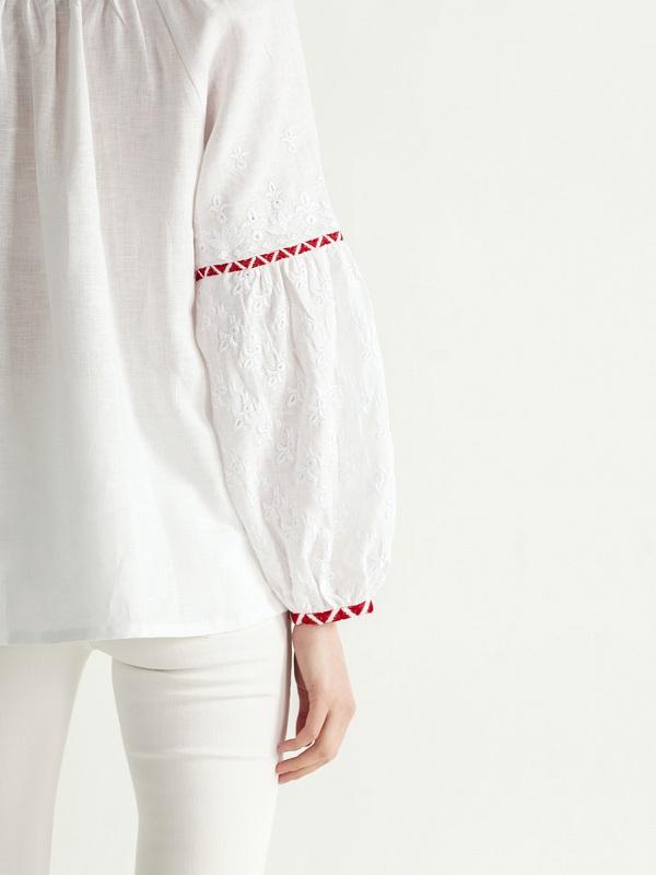 Льняная блузка с красно-белой вышивкой Elin Белый Цвет – белый Ткань – лен ЕтноДім - фото 4